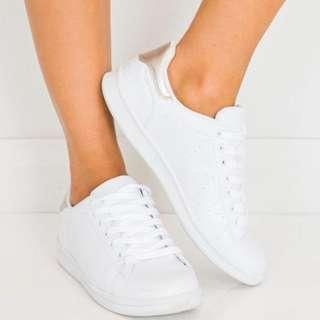 BILLINI SAMMY SNEAKER WHITE 6,8,9 AND 10 AVAILABLE - NEW