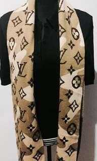 Authentic Louis Vuitton Monogram Knitted Muffler