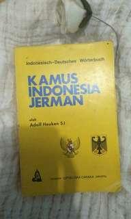 Kamus +FREE 2 ENGLISH STORY BOOKS