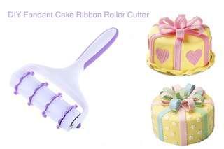 DIY FONDANT CAKE RIBBON PLASTIC ROLLER CUTTER DECORATING BAKING PASTRY EMBOSSER SET (WHITE AND PURPLE)