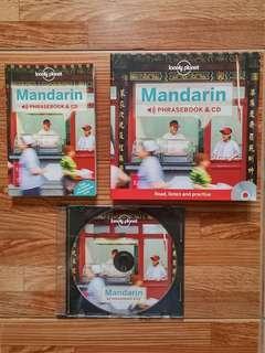 Mandarin Phrasebook & CD (lonely planet)
