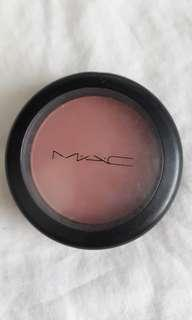 MAC powder blush in Mocha