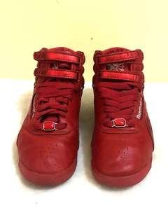 Reebok Classic women fashion shoes 6 1/2