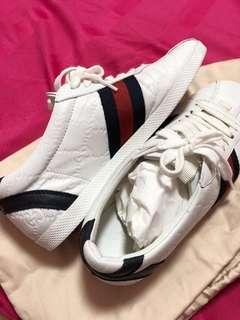 Gucci Sneakers with dustbag, box and receipt ( size 35c fits US 6 )