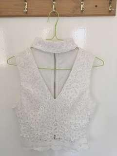 White collar detail lace crop top