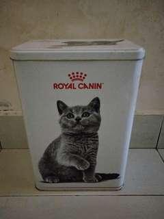 ROYAL CANIN-FOOD CONTAINER FOR 2KG