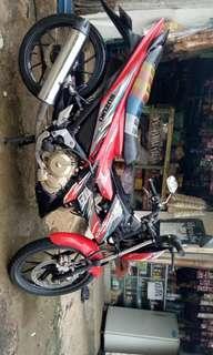 Motor FU 2013 merah hitam