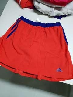 Adidas skort size 13-14 kids