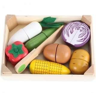 *In Stock* BN Wooden Magnetic Cutting Foods Vegetables Vege Kitchen Toy Set