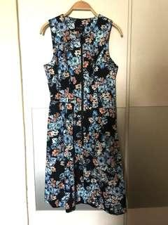 🚚 Laundry by Shelli Segal floral dress
