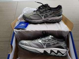 WTS: Mint condition Mizuno Wave Paradox 4 Mens Running Shoes (US size 8)