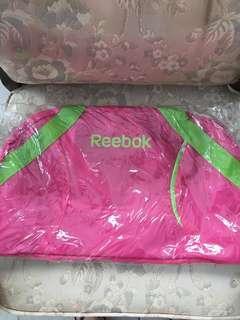🚚 Reebok 旅行袋 假日限定