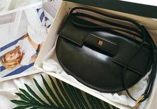 Vintage Givenchy 中古黑色斜咩手袋