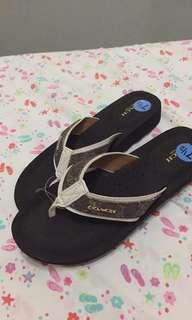 Original coach ladies sandals 7 1/2