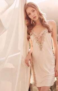 🚚 Sweet Silk Flowers Embroidery Chemise Dress -White