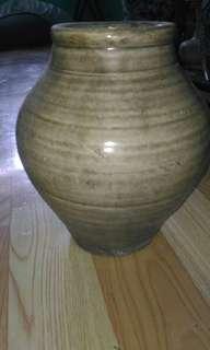 ANTIQUE, ceramic jar.
