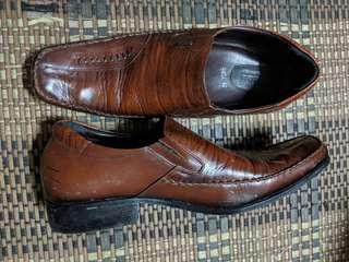 kasut kulit coklat gelap (dark brown) #99