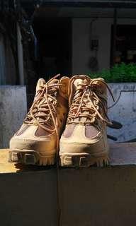 Sepatu df d-force