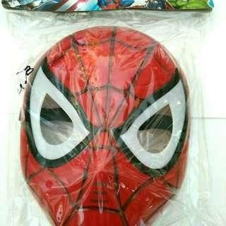 Mainan topeng spiderman