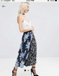 🚚 ASOS floral mixed pleated culottes