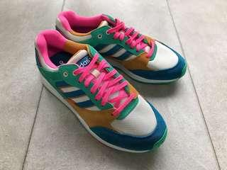 🚚 ‼️再降價‼️全新Adidas 麂皮面休閒運動鞋UK5.5 愛迪達