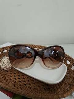 🚚 時尚太陽眼鏡 防曬眼鏡 咖啡色墨鏡 鑽石 大鏡框 台灣製