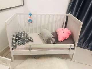 Urgent sale Baby coat sundvik kids bed