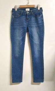 🚚 NET女刷白合身牛仔長褲 褲子 中低腰 34碼 XS號