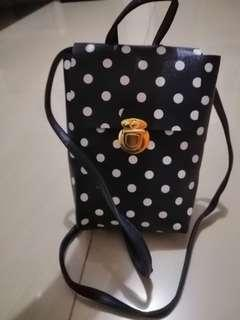 Polka dots sling bag