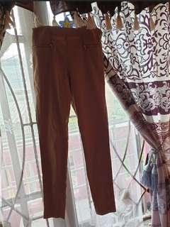 Sale 3 celana 150 ribu...belum perna di pakai bekas cuci saja