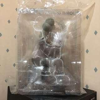 Kaws Passing Through Original Fake Bearbrick Toy Figure Art Trendy Brand Design Rabbrick R@bbrick Nyabrick Ny@brick 模型 擺設 收藏品 名牌 潮流 玩具 禮物 生日禮物