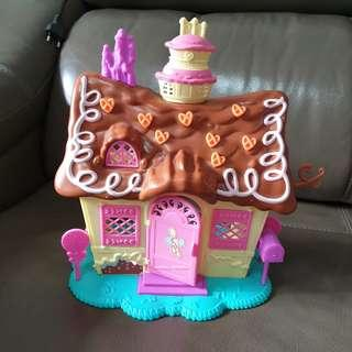 Pinky pie the house