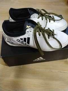 adidas中童足球鞋