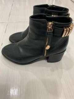 🚚 Air space 黑色短靴