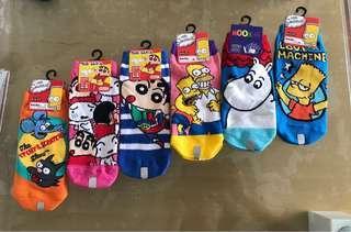 日本 🌼蠟筆小新 姆明 卡通襪❤️ (購自東京)