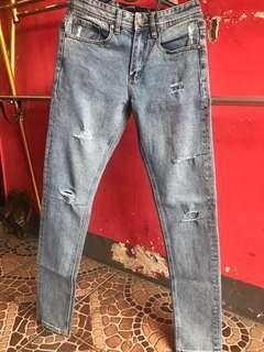 celana jeans cotton on ori ripead sz28 skiny sekali pake