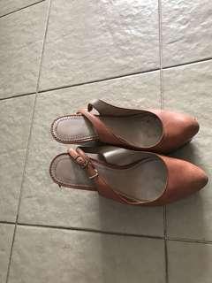 Wedges heels madenin spain #bajuseken #bajuimport #bajumahal #bajubranded #blouse #atasanseken #atasanbranded #tshirtseken #tshirtbranded #tshirtmurah #baju