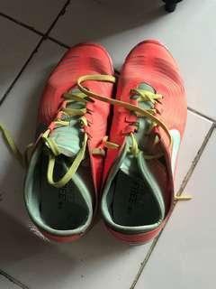 Nike free.. tgl di cuci sis