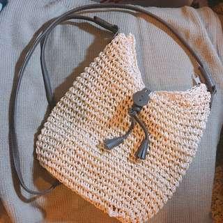 🚚 編織側背包
