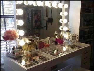 NEW - HOLLYWOOD VANITY SET UP INCLUDES SHIPPING AND INSURANCE - WHITE GLOSS