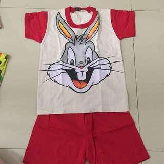 Baju untuk anak laki2 ada 2 pilihan gambar
