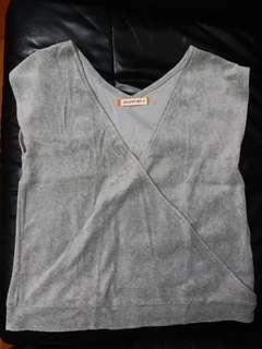 Velvet knitted top in heather grey color