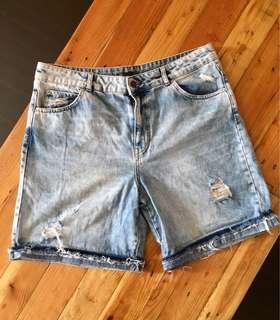 PullandBear Sp ripped jeans
