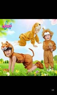 🚚 Instock Kid Costume Lion Design with Paws and Footwear