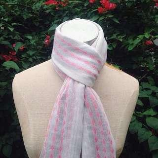 ‼️REDUCED‼️Wide White and Pink Shawl