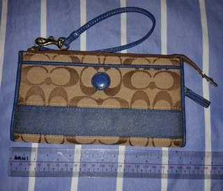 Authentic Coach Large Zippy Wallet
