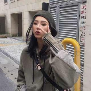 🚚 韓國設計師款沙漠綠拼接寬鬆帽Tee