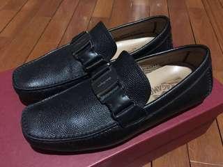 8bd0524fa10c Salvatore Ferragamo loafers pebbled leather size 5