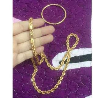 Necklace and bracelet zhulian !! Offer me ur price