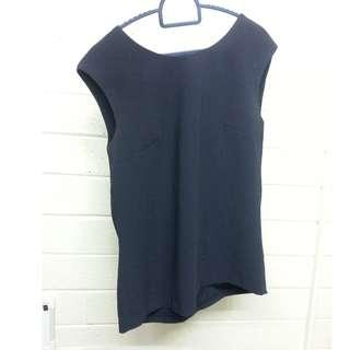 SABA size 6 Tie back detail Navy Blouse